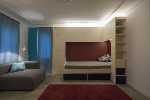 Klientenbett mit Stauraum für persönliche Gegenstände